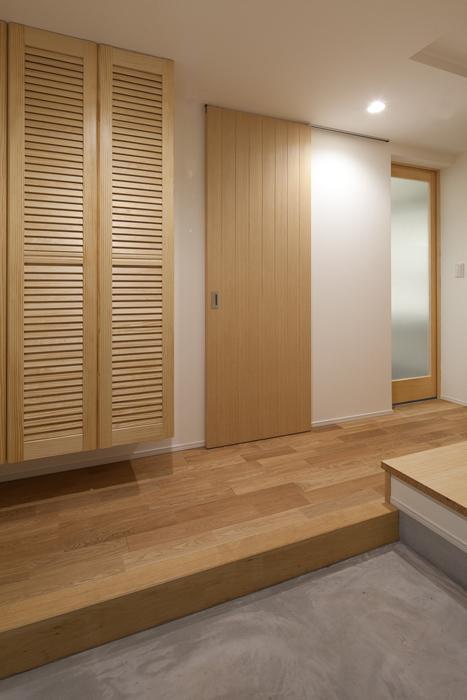 フォルムがユニークでコケティッシュなデザインハウス:杉並区M様邸の写真 玄関