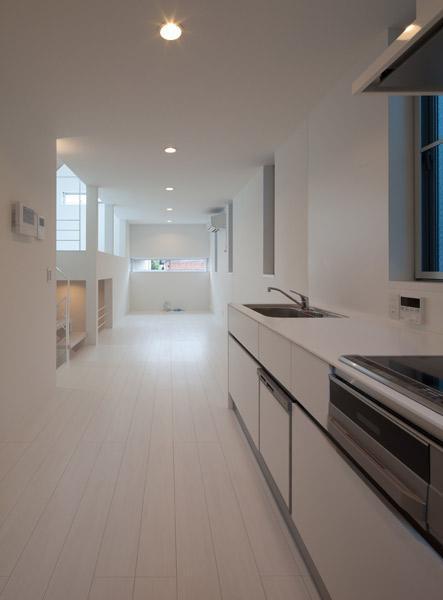 キッチン事例:オープンキッチン(フィルムの美しい階段のある注文住宅:杉並区T様邸)