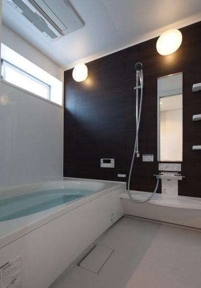 浴室 (フィルムの美しい階段のある注文住宅:杉並区T様邸)
