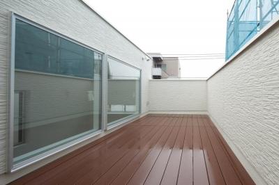 フィルムの美しい階段のある注文住宅:杉並区T様邸 (屋上)