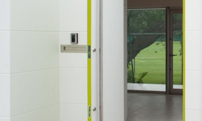 玄関|スタイリッシュなデザイン住宅・光の満ちる贅沢空間:杉並区K様邸