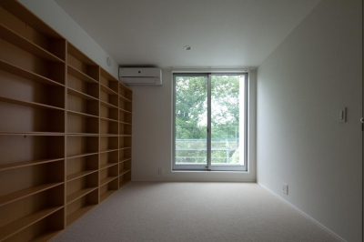 洋室 書斎としても (スタイリッシュなデザイン住宅・光の満ちる贅沢空間:杉並区K様邸)