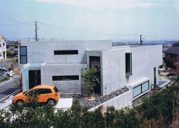 三角敷地の家 (三角敷地にある住宅)
