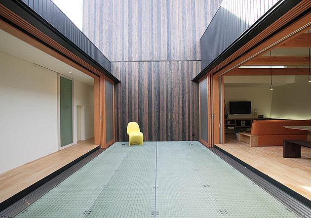 ロッククライマーの家の写真 部屋と部屋を繋ぐブリッジ廊下
