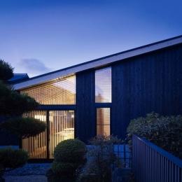 岡崎の家 (外観夕景)