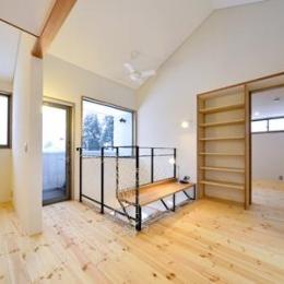 ベンチのある洋室 (米沢・徳町の家)
