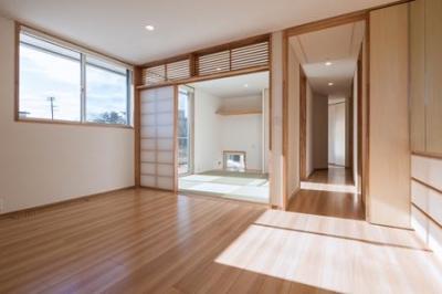 寝室と和室 (郡山・向作の家)