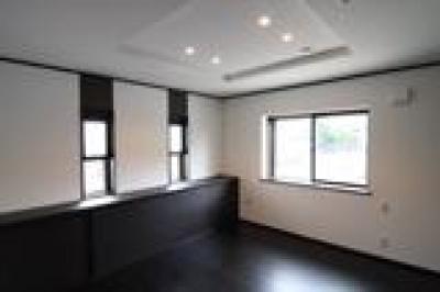 飾り天井の寝室 (木造注文住宅 開放感あふれる家)