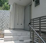 木造注文住宅 箱の家の部屋 自動の引き戸の玄関
