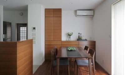ダイニング・キッチン|洗練された木の空間