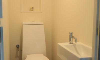 Y邸 (すっきりと清潔感あるのトイレ)