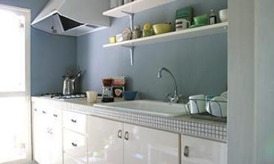 F邸 (ベビーブルーと白で統一された可愛いキッチン)