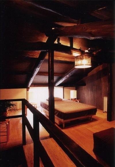 ロフトスペースを再生して寝室へ (『RE長屋-ITO』~引き算と足し算で解く~(古民家再生))