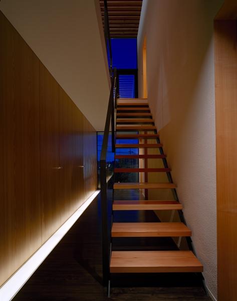 あざみ野の家の部屋 階段