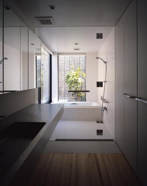 あざみ野の家の部屋 バスルーム