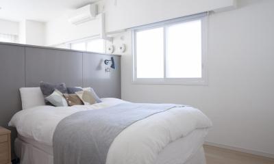 S邸 (ホワイト&グレーの光が差し込む寝室)
