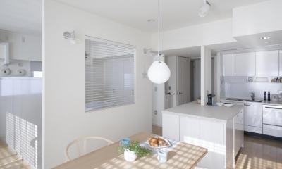 S邸 (開放的なリビング、キッチン)