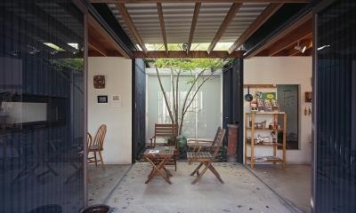 『知多の家』~緑のオアシス~(gallery & dining cafe) (中庭テラス・昼間)