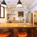 アーチ壁のあるキッチン