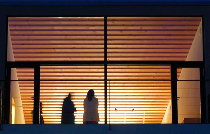 あざみ野の家の部屋 外観夜景