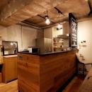 オークの腰板で造作したキッチン
