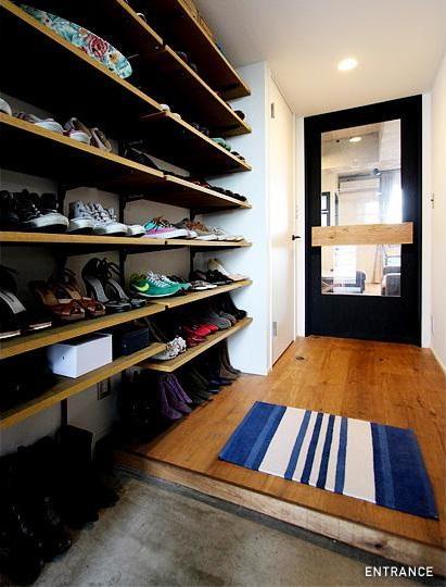 VINTAGE × 古箱の部屋 可動棚を充実させた玄関