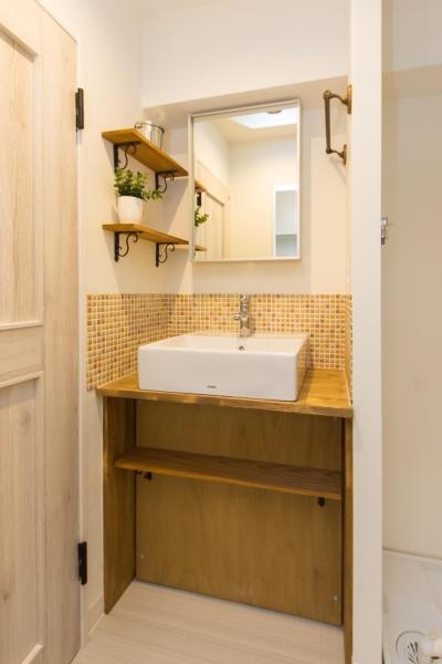 洗面室 (サーフテイストな暮らし。『Beach Style』リノベーション)