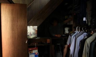 『HDFの家』〜雑木林と語らう家〜 (階段下の隠れ家)