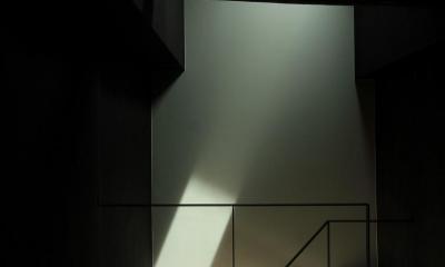 『再生則武長屋』~ミニマリズムの和モダン~(古民家再生) (陽光だけの瞑想空間)