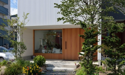 釜石の店舗併用二世帯住宅 (外観)