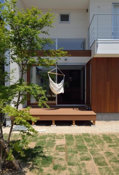 ウッドデッキ (桜水の家)