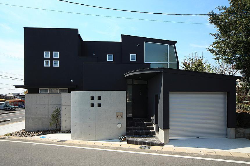 「内開きの家」の写真 カーテンのいらないライフスタイル