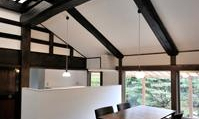 光たまりの2世帯住宅 (光が差し込むダイニング)