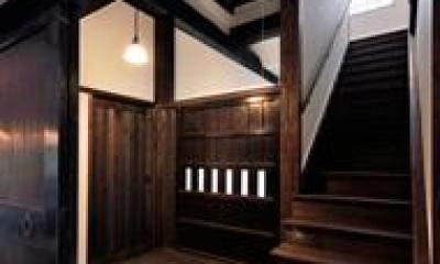 光たまりの2世帯住宅 (和を感じる階段)