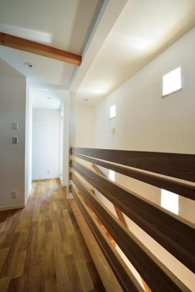 土間リビングの家 (2階手摺)