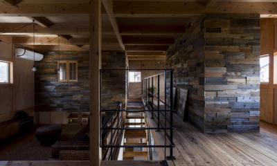 倉庫をリノベーションしたかのような新築の家(石部の家)
