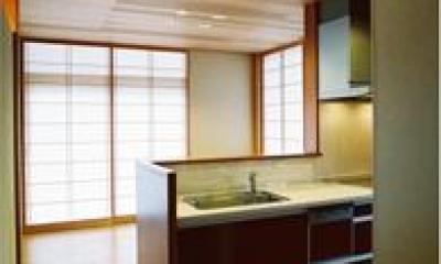 シンプルなキッチン|連層の家