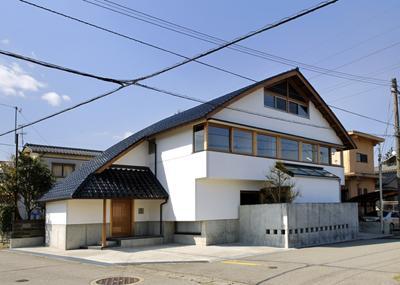 建築家:安田 均「ひとつ屋根の家」
