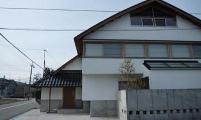 瓦屋根の住宅|ひとつ屋根の家