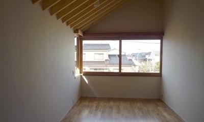 ひとつ屋根の家 (シンプルな寝室)