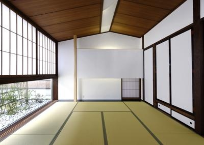 落ち着いた雰囲気の和室 (四季の回廊)