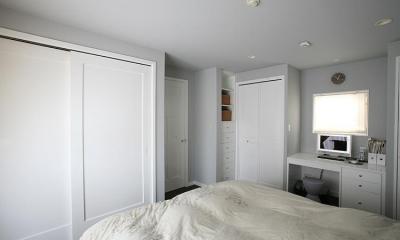 N邸 (大容量のベッドルーム収納)