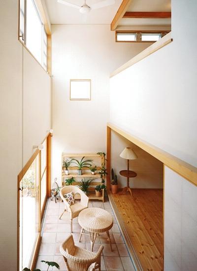 建築家:谷村 茂「リビングに吹き抜け土間のある家」