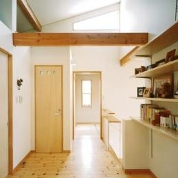 リビングに吹き抜け土間のある家-ファミリールーム