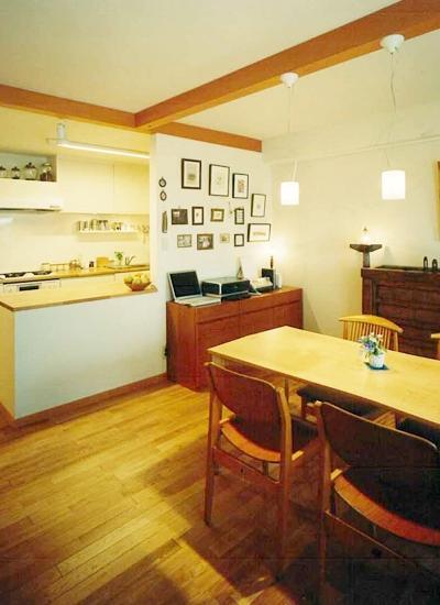 暮らしを楽しむためにの部屋 ペンダントライトが印象的なダイニングキッチン