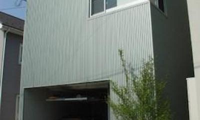 インナーガレージのある外観|眺望を最大限に楽しむ家