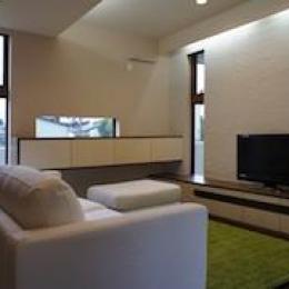 ピアノ教室と3世代で住む家 (シンプルなリビング)
