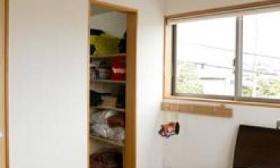 寒川 芳咲健純 風わたる家 (大きなクローゼットのある夫婦の寝室)