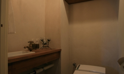 M邸 (暖かな光のトイレ)