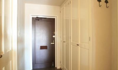 M邸 (黒の玄関ドアが空間を引き締める)